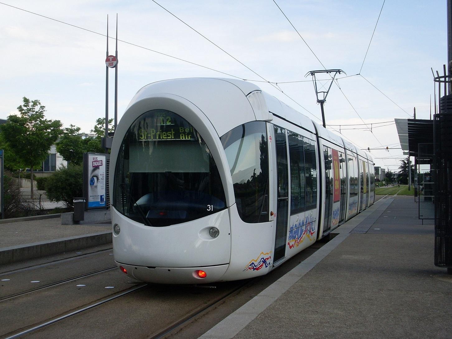 tramway t2 lyon en lignes. Black Bedroom Furniture Sets. Home Design Ideas